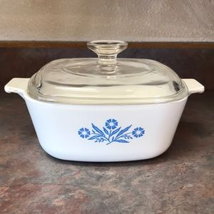 Corning Ware 1 1/2 Qt Casserole Dish with Lid